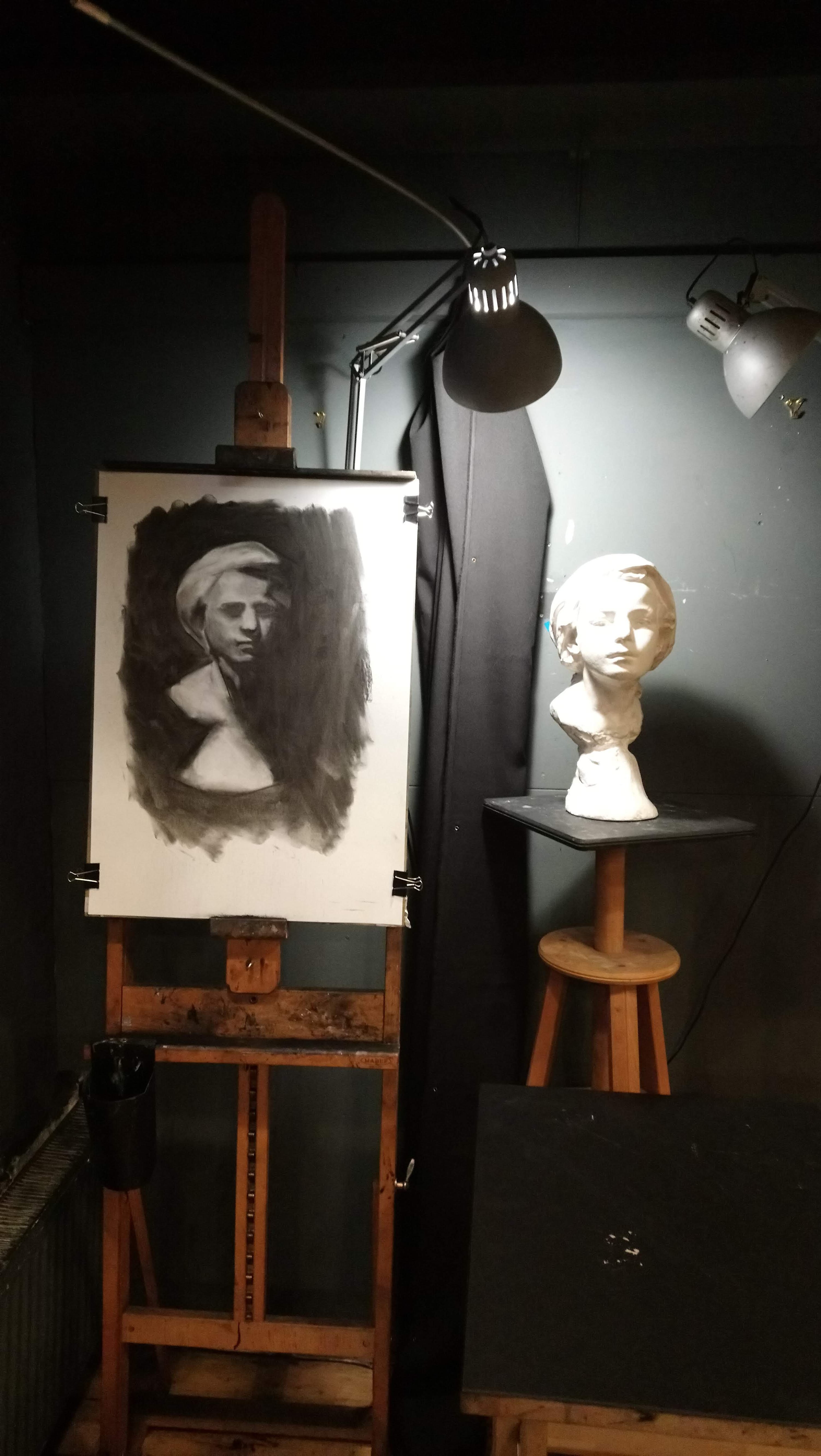 Foundation art course, oil painting, Drawing, sketch, art master, artist, london artist, london fine art studios, fine art studios, london studios, artwork, painting, oil painting, art classes, art workshops, art class, professional artist, london studios